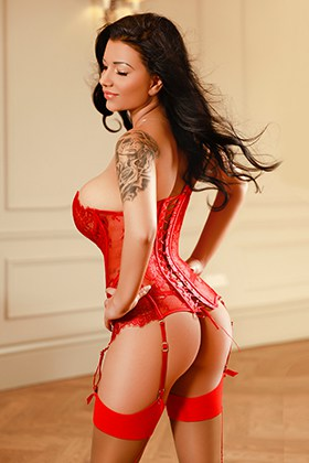 Brunette escort in Central London